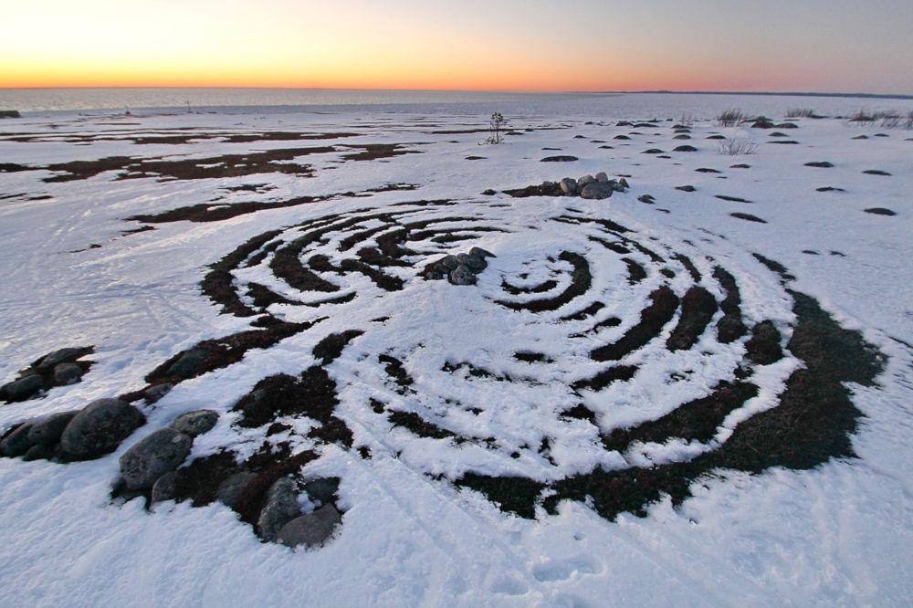 The labyrinths on Bolshoi Zayatsky