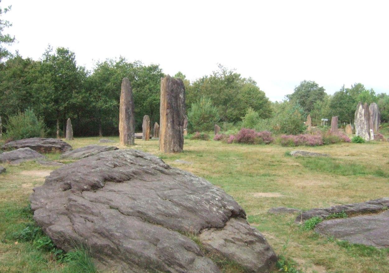 menhirs of monteneuf
