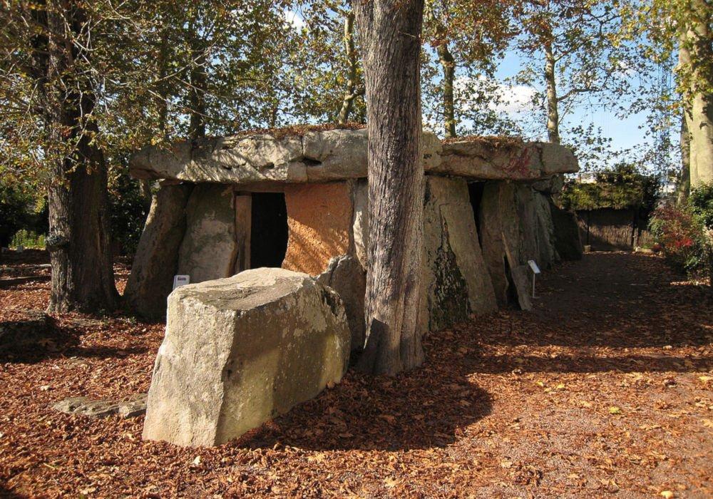 Bagneux dolmen