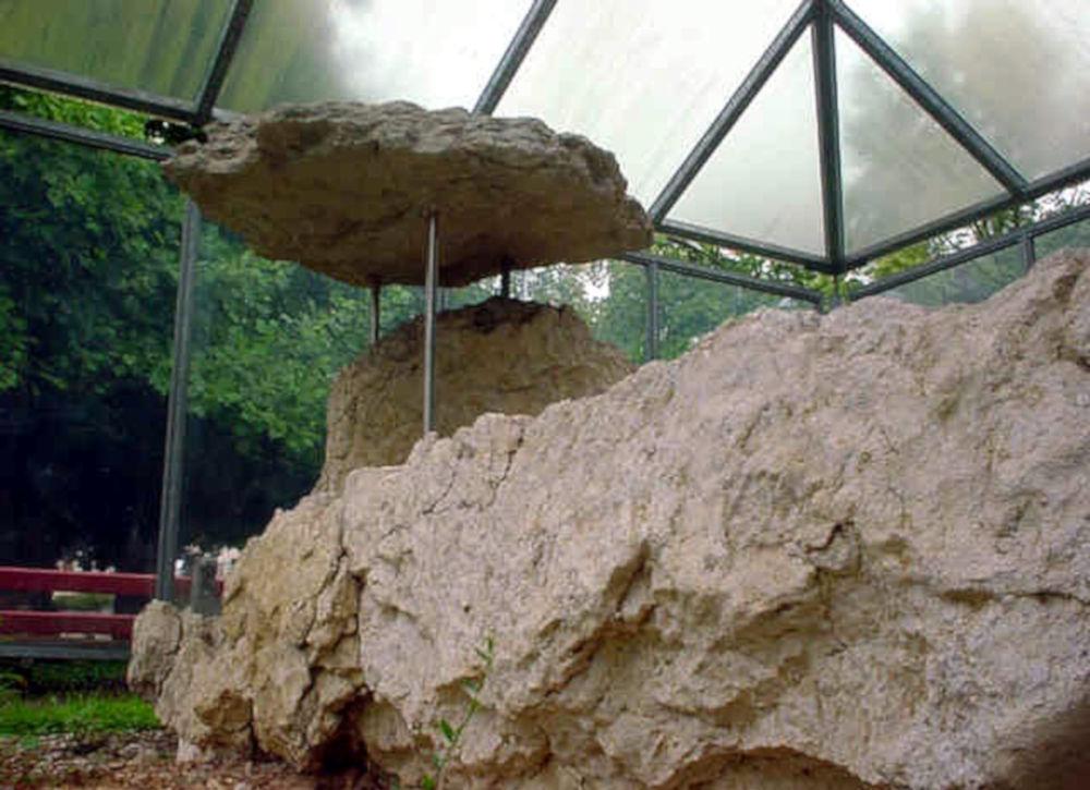 laufen dolmen