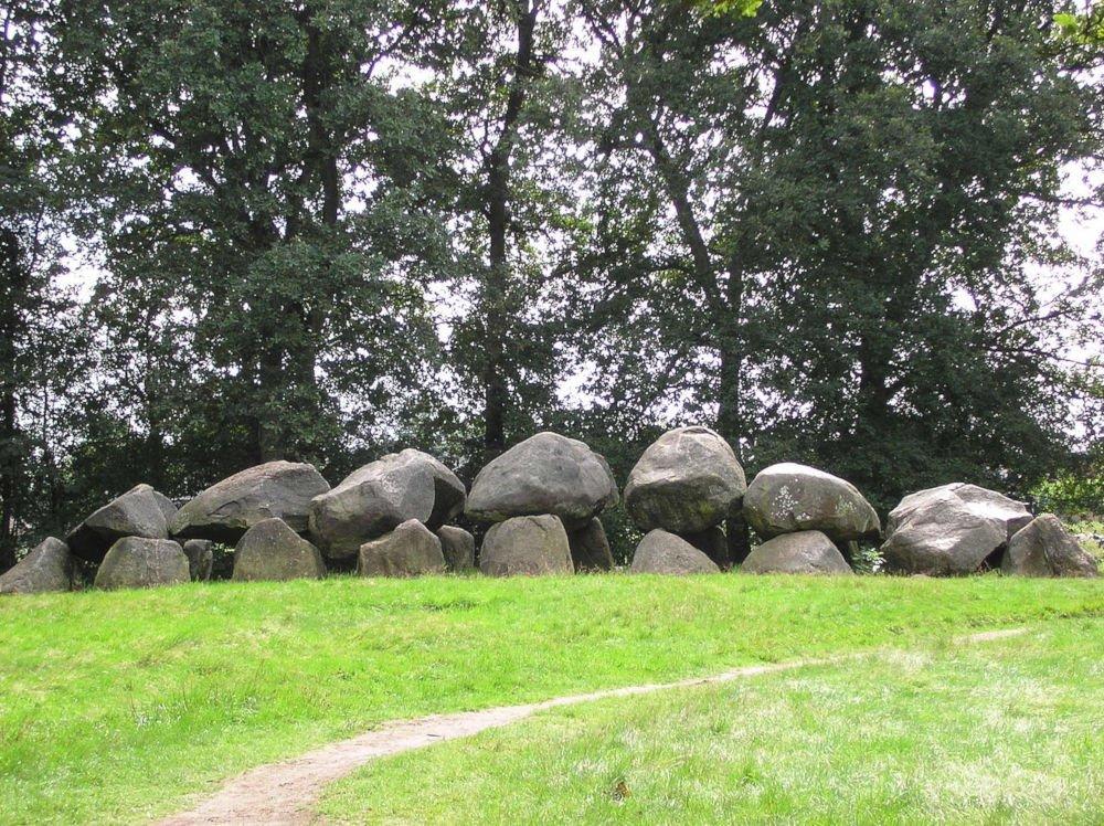 dolmen d18