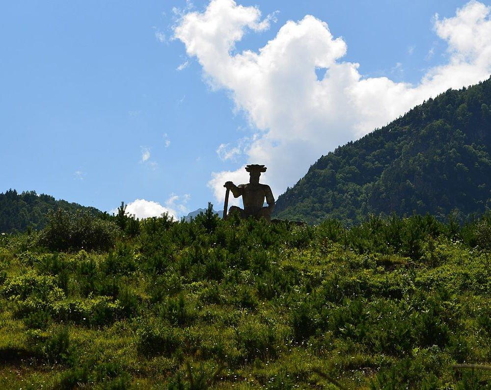 apsat statue
