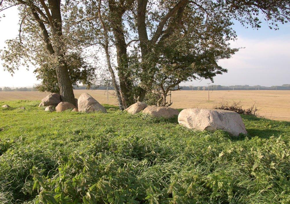 blengow dolmen