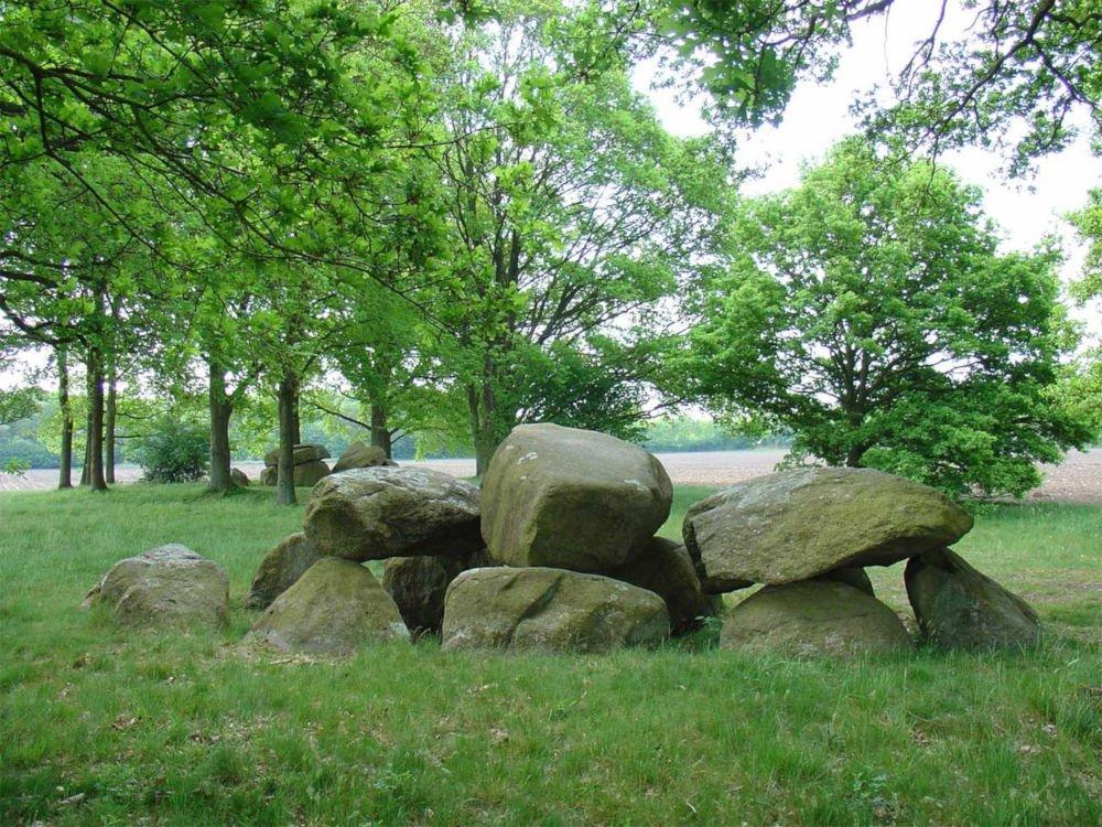 dolmen d28
