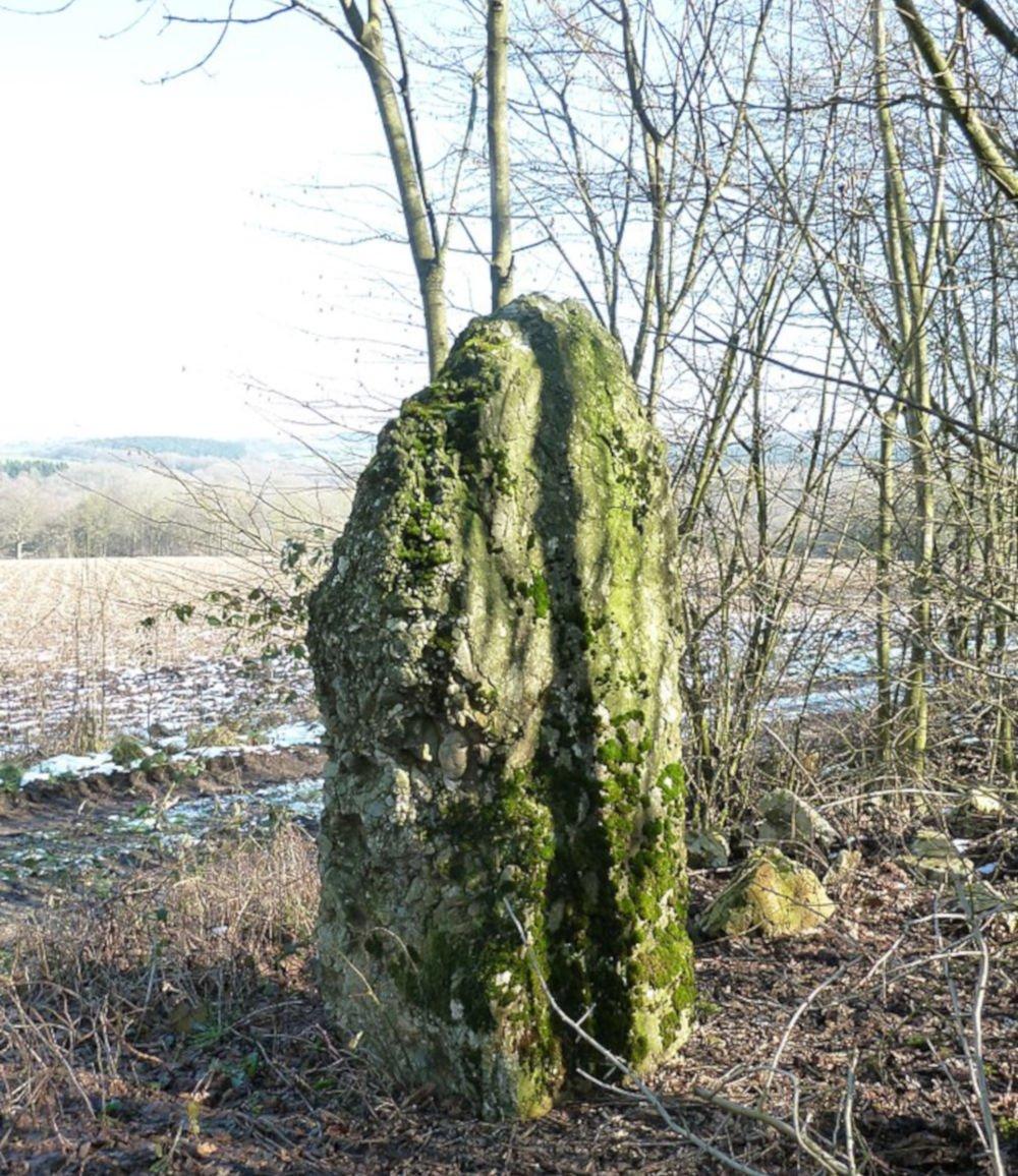 menhir of heyd