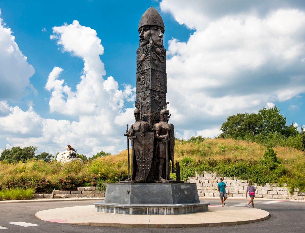 Svetovid statue in Hamilton