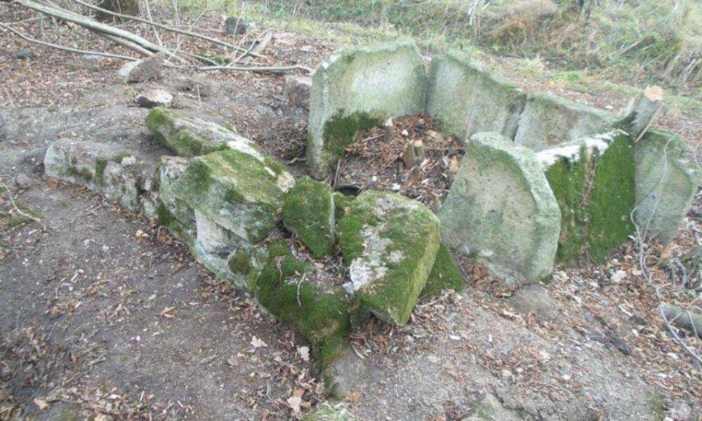chegem river dolmen