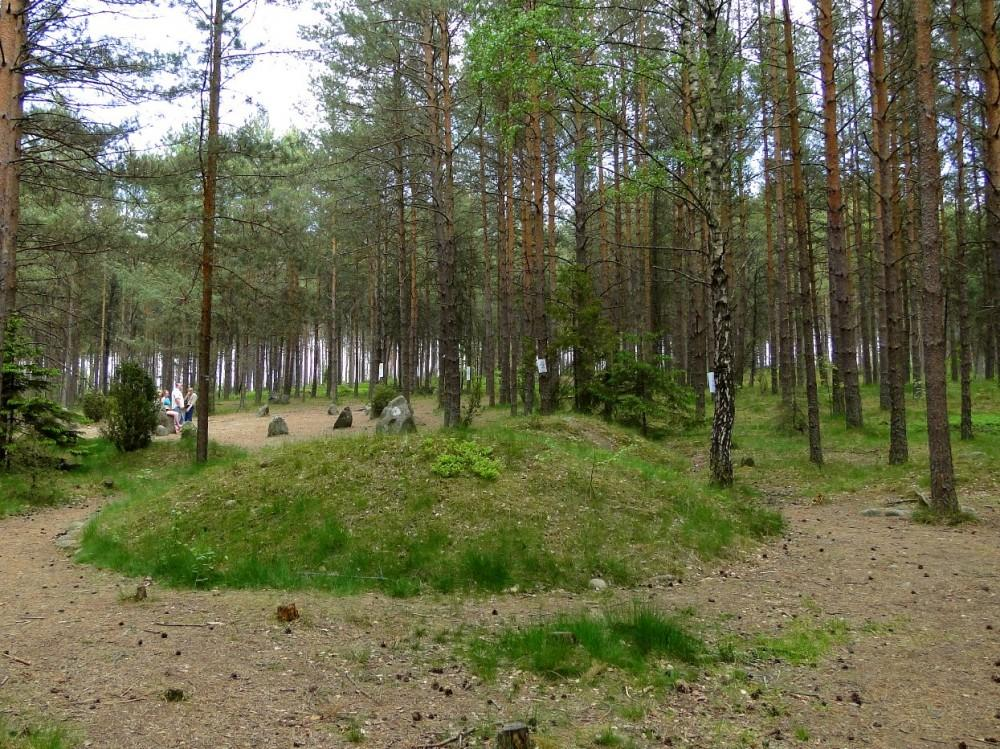 Węsiory – stone circle and graveyard